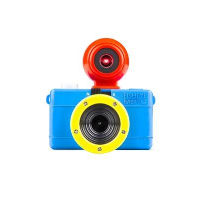 Petit bijou Le Fisheye Baby 110 Bauhaus Edition est définitvement moderne dans cette livrée bleue, rouge et jaune. Ne vous laissez pas impressionner par sa taille Le Fisheye Baby 110 Bauhaus est minuscule, mais cela ne l´empêche pas d´être aussi performan